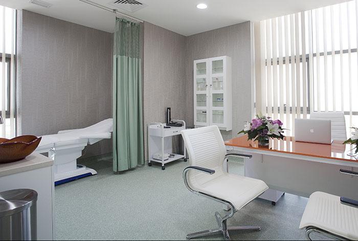 عيادة ذي بيرل (اللؤلؤة) الطبي مركز ذي بيرل (اللؤلؤة) الطبي